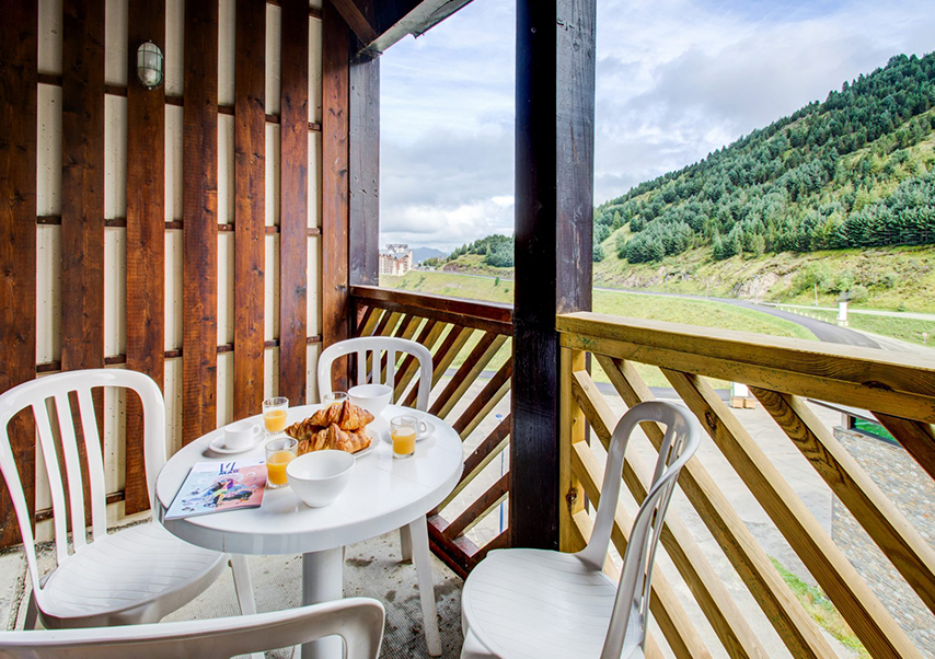 incentive stay pyrenees breakfast