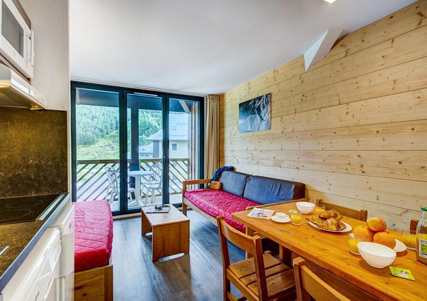 residential seminar pyrenees living room